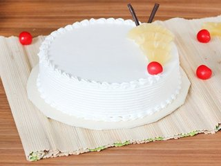 Pineapple Cake in Noida