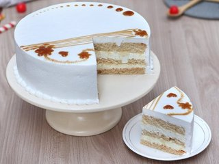 Sliced View of Adorable Pineapple Round Shaped Cake in Ghaziabad