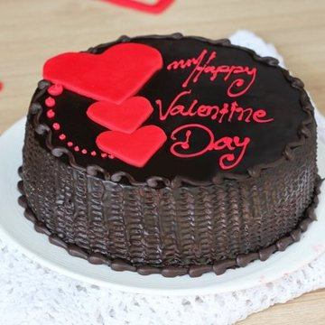 https://media.bakingo.com/sites/default/files/styles/product_image/public/queen-of-hearts-cake0365chtr-310118-A.jpg?tr=h-360,w-360