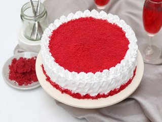 Send Red Velvet Vanilla Cake in Gurgaon;Top View of Red Velvet Vanilla Cake;Red Velvet Vanilla Cake Slice;Red Velvet Vanilla Cake Ingredients