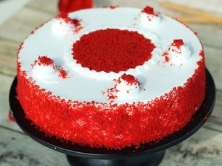 Zoom View of Classy Red Velvet Cake in Bangalore