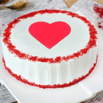 https://media.bakingo.com/sites/default/files/styles/product_image/public/red-velvet-with-fondant-heart-cake-in-hyderabad-cake1194flav-a.jpg?tr=h-360,w-360