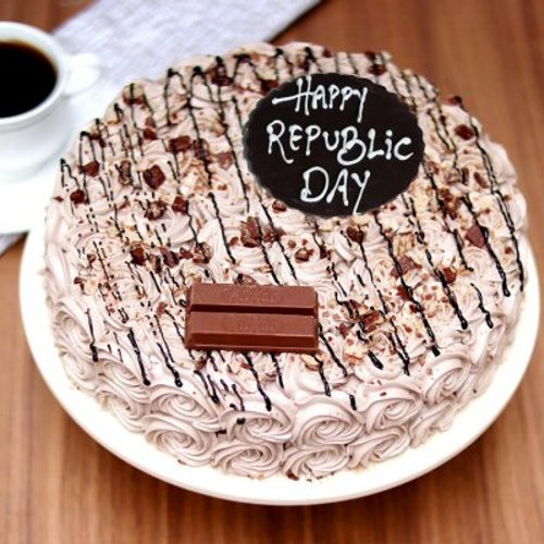 https://media.bakingo.com/sites/default/files/styles/product_image/public/republic-day-kitkat-cake-cake1694choc-A.jpg?tr=h-500,w-500