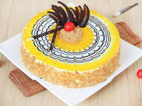 Deliciious Butterscotch Cake in Delhi