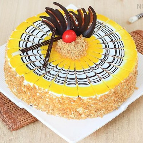 https://media.bakingo.com/sites/default/files/styles/product_image/public/round-shaped-butterscotch-cake-3-in-noida-cake853butt-A.jpg?tr=h-500,w-500