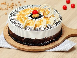 Creamy Crunchy Butterscotch Cake