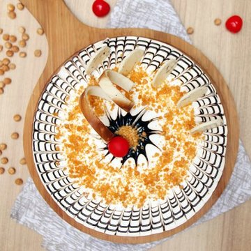 https://media.bakingo.com/sites/default/files/styles/product_image/public/round-shaped-butterscotch-cake-4-ghaziabad-cake1029butt-B.jpg?tr=h-360,w-360