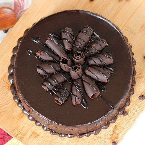 https://media.bakingo.com/sites/default/files/styles/product_image/public/round-shaped-chocolate-cake-1-cake1529choc-B.jpg?tr=h-500,w-500
