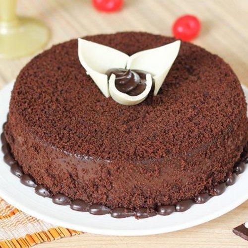 https://media.bakingo.com/sites/default/files/styles/product_image/public/round-shaped-chocolate-cake-2-cake0654choc-A.jpg?tr=h-500,w-500