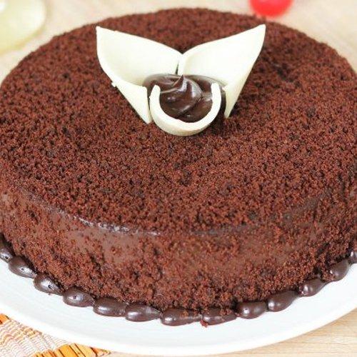 https://media.bakingo.com/sites/default/files/styles/product_image/public/round-shaped-chocolate-cake-2-cake0654choc-C.jpg?tr=h-500,w-500