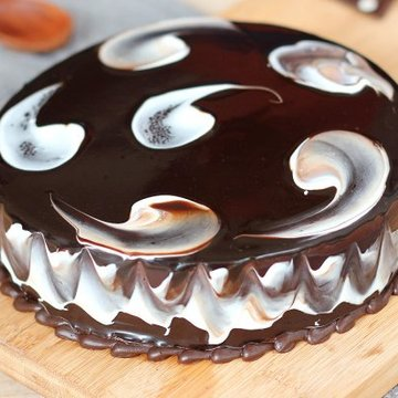 https://media.bakingo.com/sites/default/files/styles/product_image/public/round-shaped-chocolate-cake-4-cake1507choc-C.jpg?tr=h-360,w-360