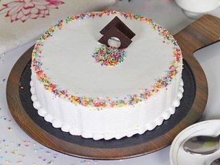 Circle of Joy- Round Shaped Vanilla Cake in Noida