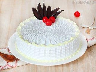 Dreamy Vanilla - Round Shaped Vanilla Cake in Hyderabad