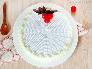 Top View of Dreamy Vanilla - Round Shaped Vanilla Cake in Hyderabad