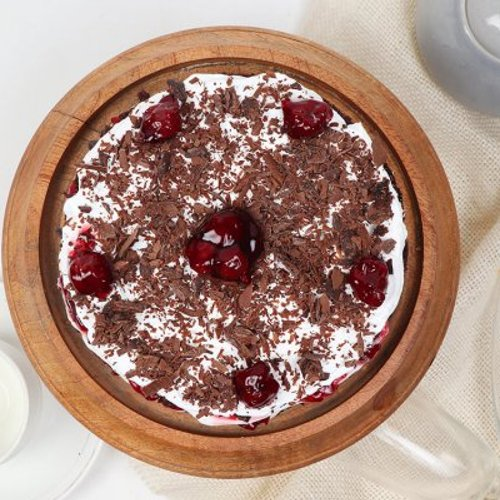 https://media.bakingo.com/sites/default/files/styles/product_image/public/semi-naked-blackforest-cake-cake1640blac-C.jpg?tr=h-500,w-500