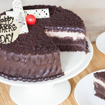 https://media.bakingo.com/sites/default/files/styles/product_image/public/solemn-surprise-a-fathers-day-special-cake-C.jpg?tr=h-360,w-360