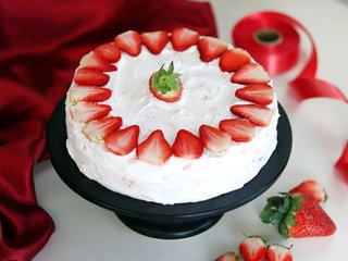 Strawberry Blush Cake