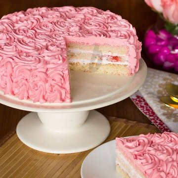 https://media.bakingo.com/sites/default/files/styles/product_image/public/strawberry-rose-cake-B.jpg?tr=h-360,w-360
