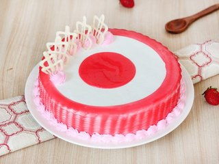 Strawberry Filled Cake Delivery in Gurgaon;Top View of Strawberry Filled Cake;Side View of Strawberry Filled Cake