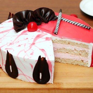 https://media.bakingo.com/sites/default/files/styles/product_image/public/strawberry-vanilla-cake-cake895stva-C.jpg?tr=h-360,w-360
