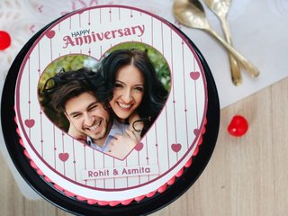 Sweetest Hug photo cake for wedding anniversary