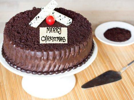 Chocolate Mud Christmas Cake