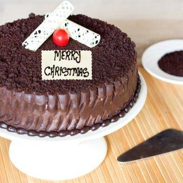 https://media.bakingo.com/sites/default/files/styles/product_image/public/thrills-of-christmas-A-cake0232choc.jpg?tr=h-360,w-360