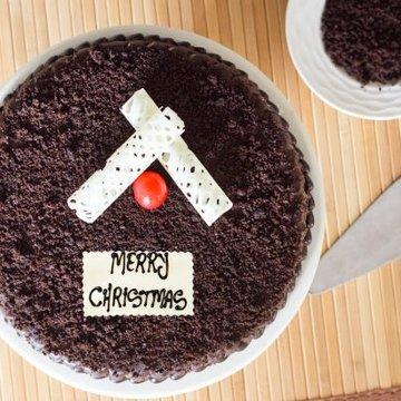 https://media.bakingo.com/sites/default/files/styles/product_image/public/thrills-of-christmas-B-cake0232choc.jpg?tr=h-360,w-360