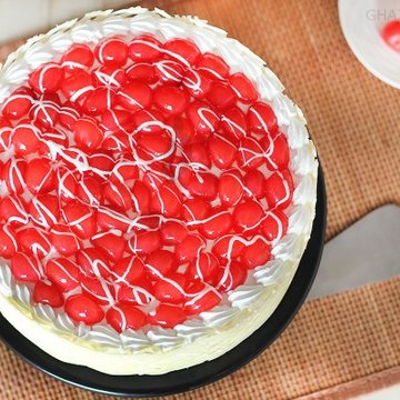 https://media.bakingo.com/sites/default/files/styles/product_image/public/top-view-of-royal-cherry-cake-in-ghaziabad-cake0858flav-c.jpg?tr=h-360,w-360