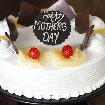 https://media.bakingo.com/sites/default/files/styles/product_image/public/universal-love-a-mothers-day-special-cake-C.jpg?tr=h-360,w-360