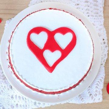 https://media.bakingo.com/sites/default/files/styles/product_image/public/velvetilicious-bliss-cake0366redv-310118-B.jpg?tr=h-360,w-360