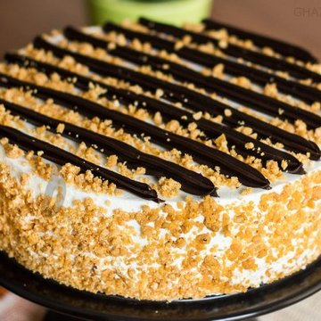 https://media.bakingo.com/sites/default/files/styles/product_image/public/zoom-of-chocolate-butterscotch-cake-in-ghaziabad-cake0852flav-c.jpg?tr=h-360,w-360