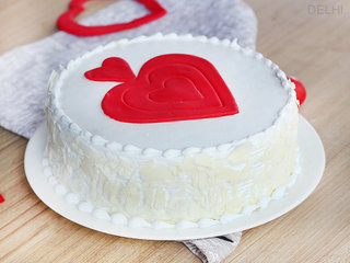 Vanilla Fondant Cake in Delhi