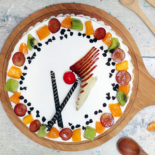 https://media.bakingo.com/sites/default/files/vanilla-fruit-cake-ghaziabad-cake1031vani-B.jpg