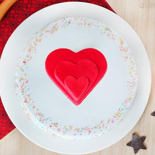 https://media.bakingo.com/sites/default/files/vanilla-funfetti-cake-in-gurgaon-cake0929flav-b.jpg