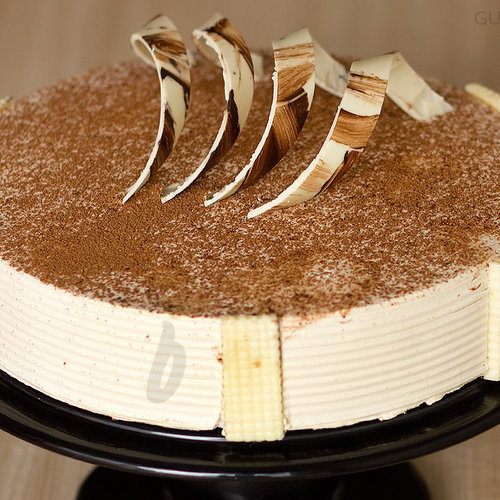 https://media.bakingo.com/sites/default/files/zoom-view-of-coffee-cake-in-gurgaon-cake0797flav-c.jpg