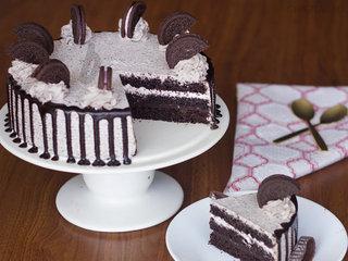 Slice View of Oreo Choco Cake